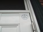次の日撮った玄関ドア。 もちろん犬シールあり